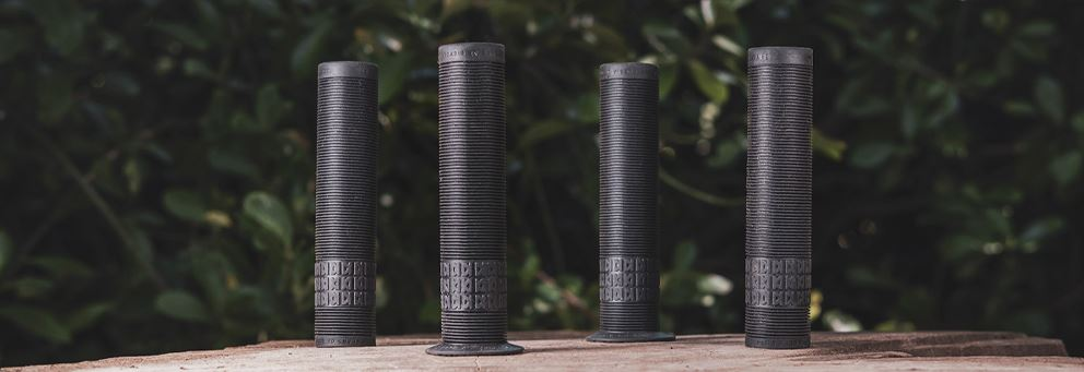 DMR - Grips - Sect - 25 Year - Black